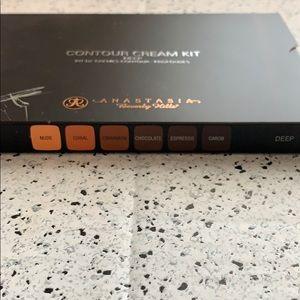 Anastasia Beverly Hills Makeup - NWT Anastasia Beverly Hills Deep Cream Contour Kit